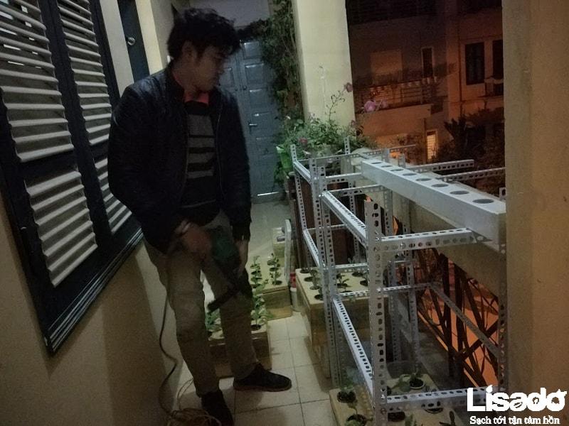 Lisado thực hiện công trình trồng rau thuỷ canh tại nhà chị Doan- đường Lạc Trung – Hà Nội