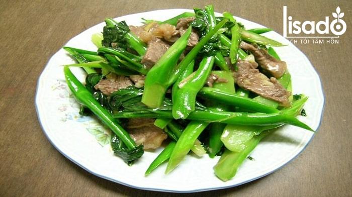 Rau cải xanh xào thịt bò