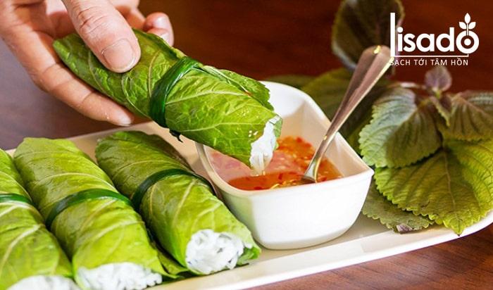 Rau cải xanh cuốn tôm thịt