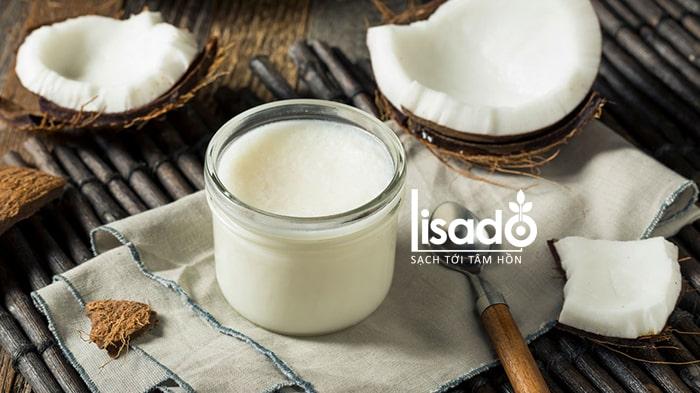 Sữa nóng với dầu dừa