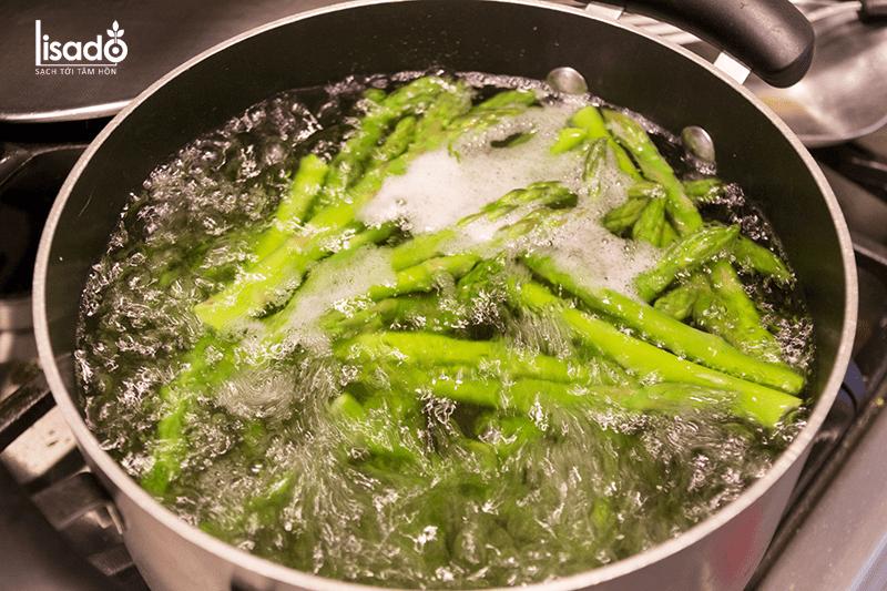 Cách làm món măng tây cuộn thịt xông khói thơm ngon