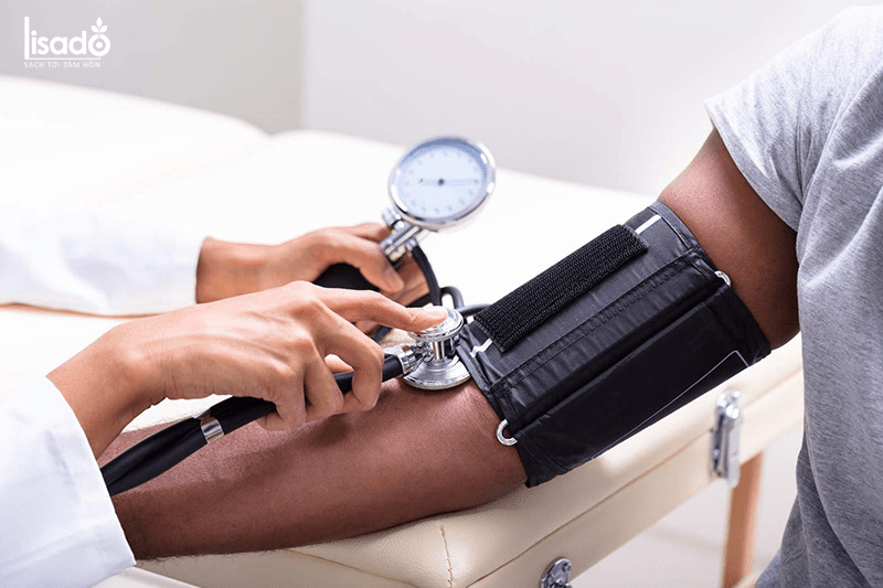 Người đang uống thuốc ngừa huyết áp cao không nên ăn măng tây