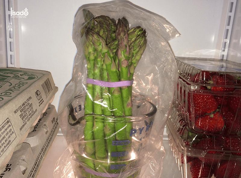 Bảo quản măng tây trong hũ thủy tinh hoặc hũ nhựa
