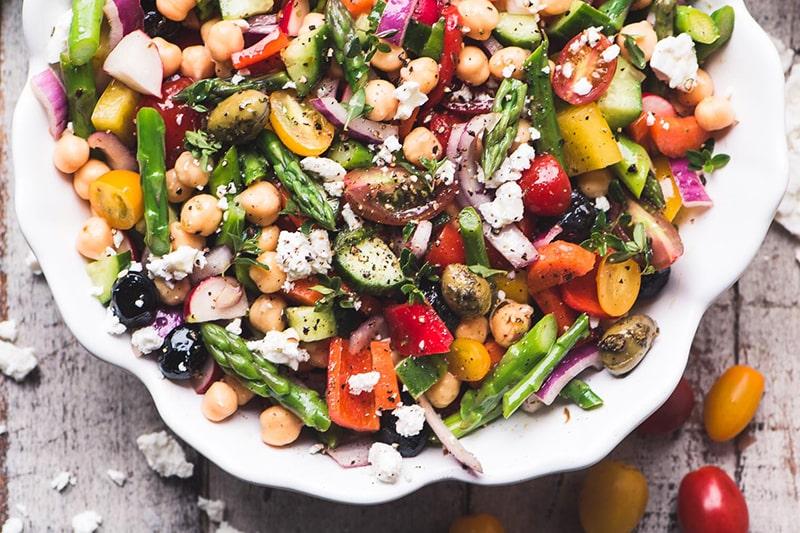 Măng tây trộn salad rất tốt cho người muốn giảm cân